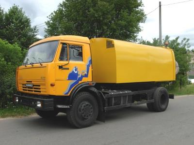 Подметально-уборочная машина КО-326-10